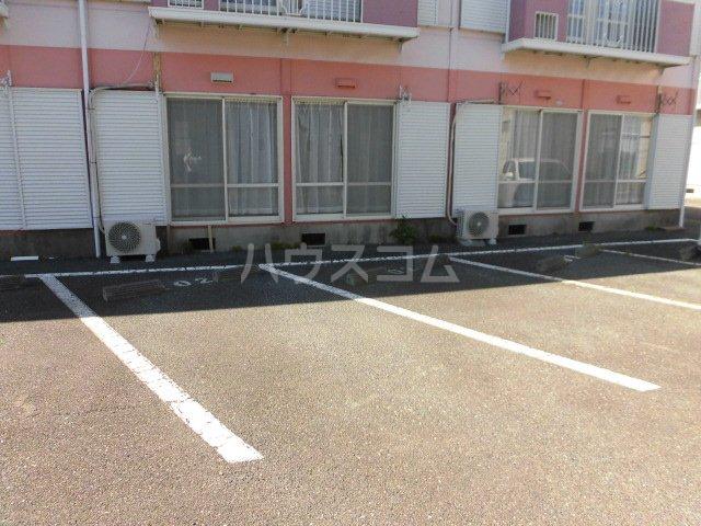 サンビレッジOGASA C棟 101号室の駐車場