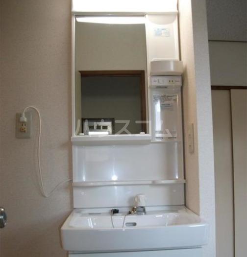 鶴田ハイツ 101号室の洗面所