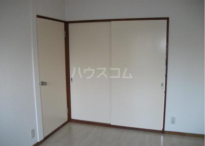 鶴田ハイツ 101号室のリビング