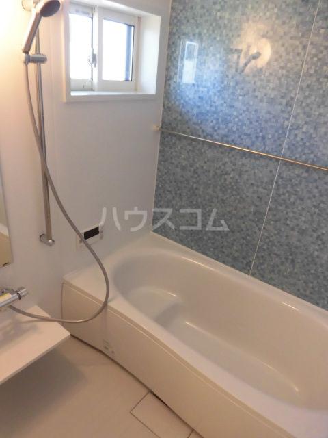 サンリット A棟 201号室の風呂
