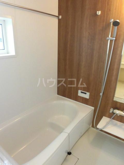 グランドソレイユⅡ 105号室の風呂