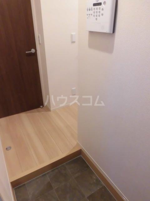 グランドソレイユⅡ 105号室の玄関