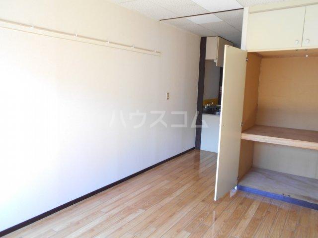 アルファメゾンB 102号室の居室