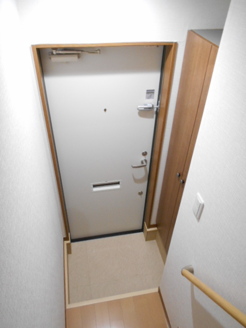 AMBITION 201号室の玄関