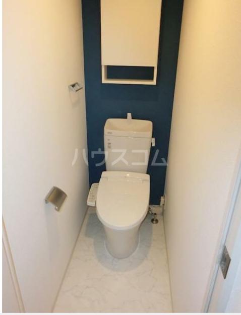 ZOOM新宿下落合 602号室のトイレ