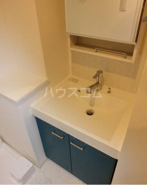 ZOOM新宿下落合 602号室の洗面所