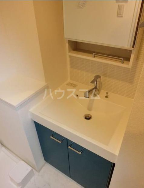 ZOOM新宿下落合 702号室の洗面所