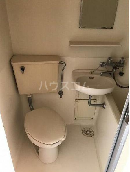 ライフポイント方南町 202号室のトイレ