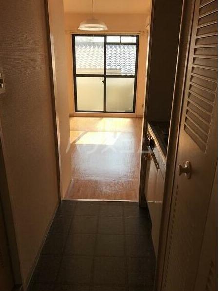 ライフポイント方南町 202号室の玄関