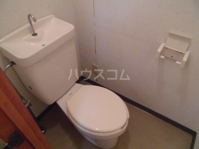 メゾン静一号棟 103号室のトイレ