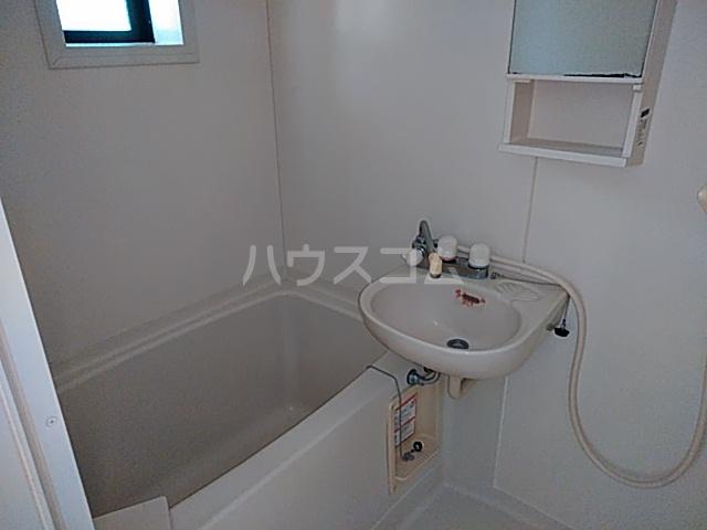 ヴィラージュホリウチ 101号室の風呂