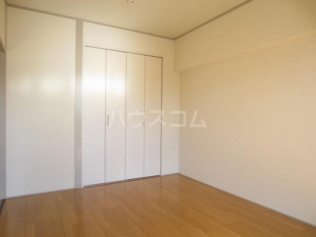 欅マンション 505号室の居室