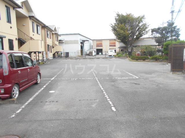 シーダーハウスⅡ 201号室の駐車場