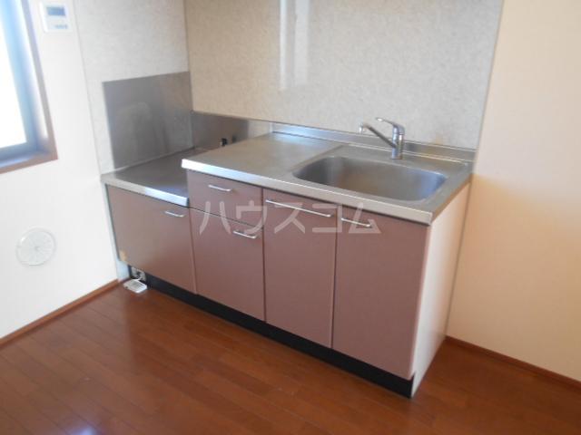 シーダーハウスⅡ 201号室のキッチン