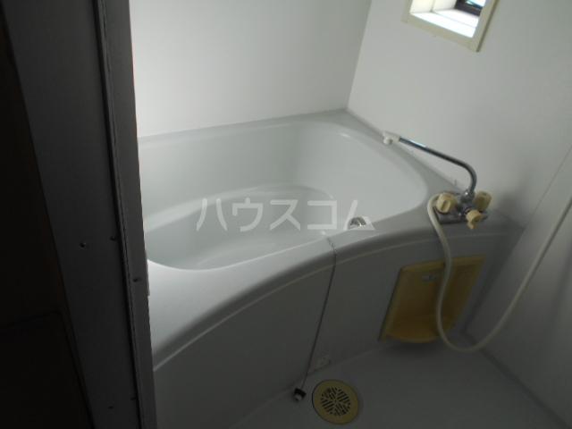 シーダーハウスⅡ 201号室の風呂