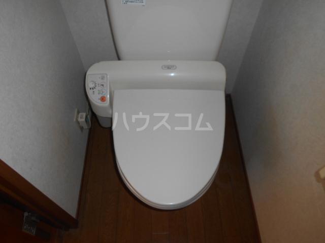 シーダーハウスⅡ 201号室のトイレ