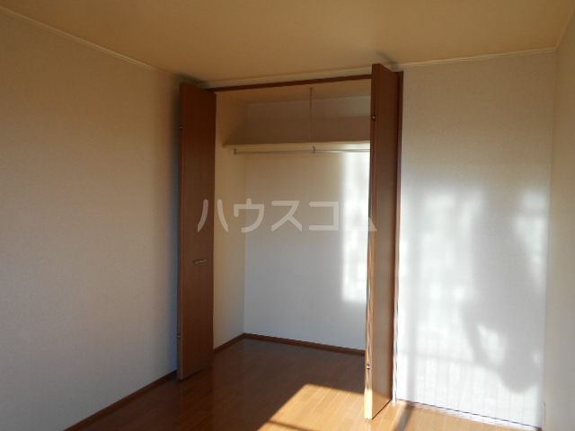 シーダーハウスⅡ 201号室の収納