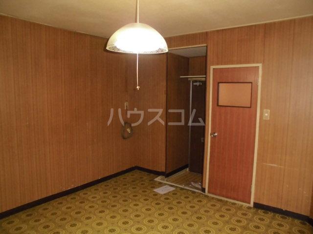 オギハラマンション北棟 201号室のリビング