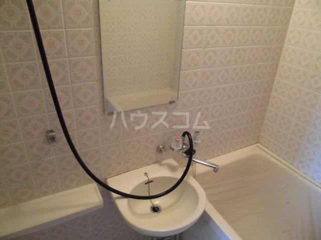オギハラマンション北棟 201号室の洗面所