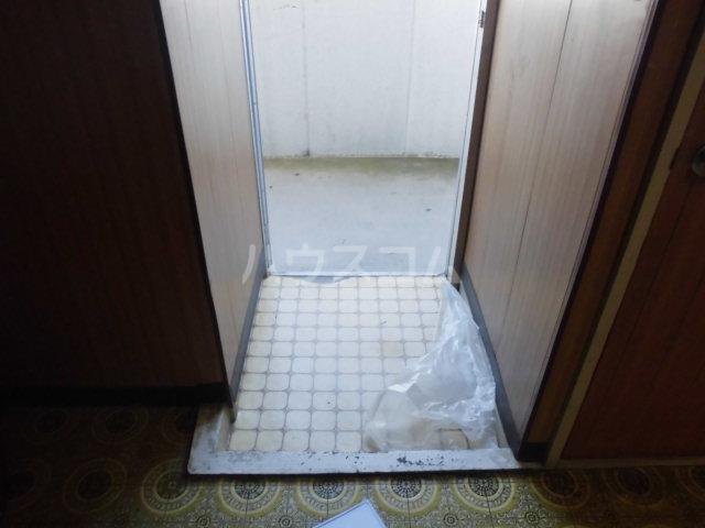 オギハラマンション北棟 201号室の玄関