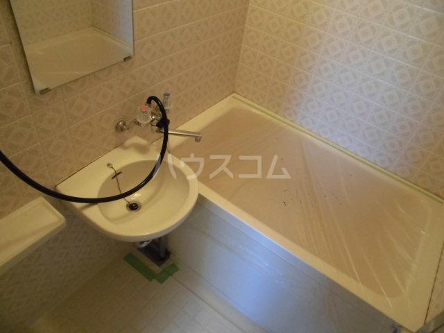 オギハラマンション北棟 301号室の風呂