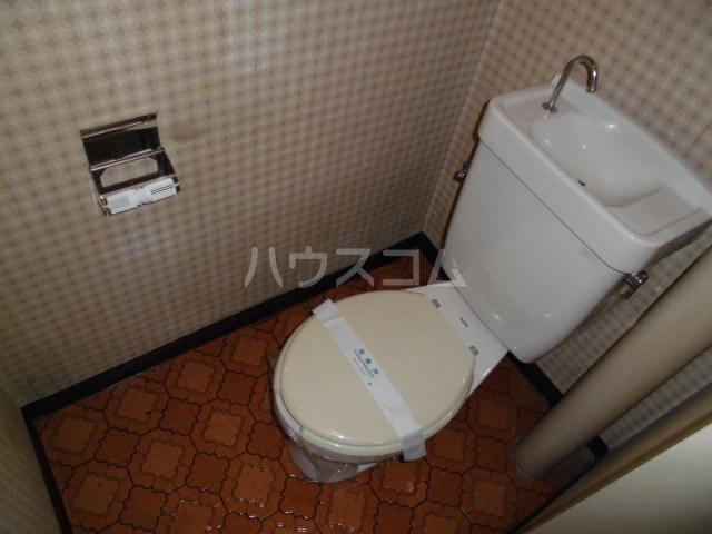 オギハラマンション北棟 301号室のトイレ