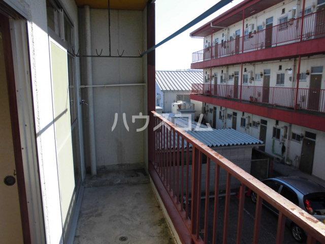 オギハラマンション北棟 301号室のバルコニー