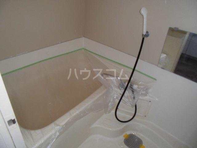 オギハラマンション南棟 201号室の風呂