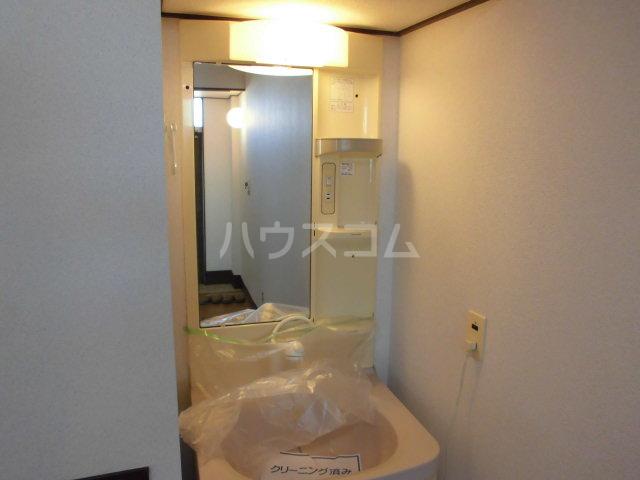オギハラマンション南棟 201号室の洗面所