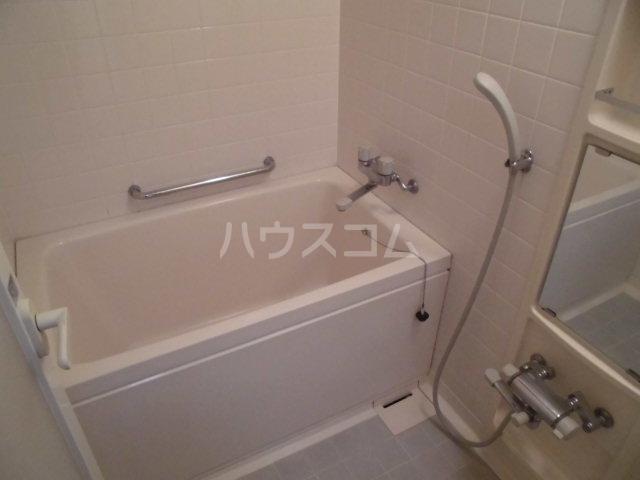 レジデンス輝樹Ⅱ 401号室の風呂