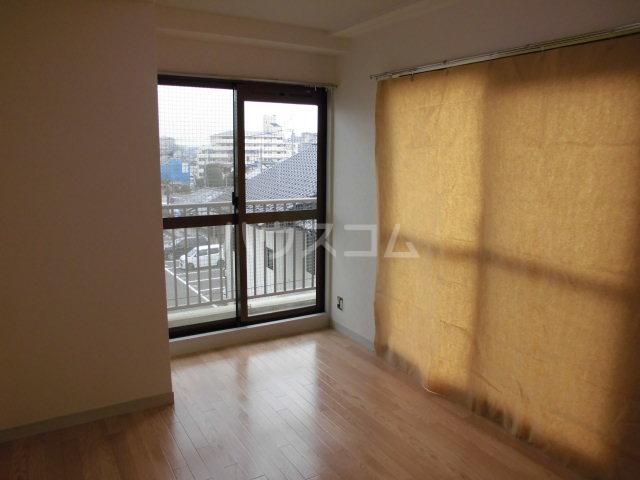 レジデンス輝樹Ⅱ 401号室のベッドルーム