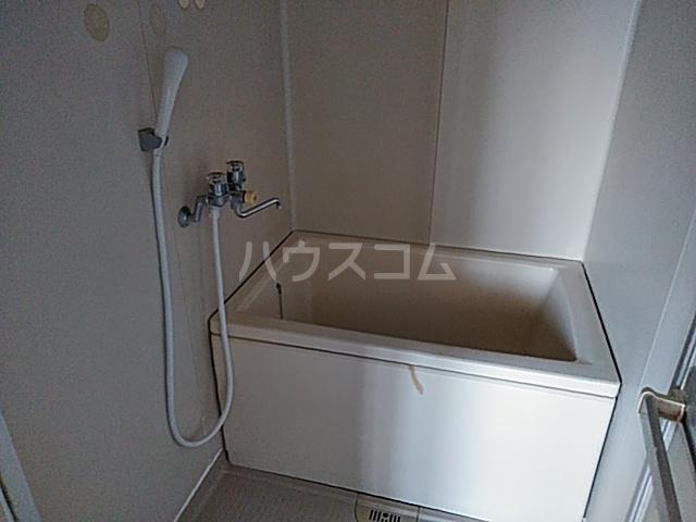 ホワイトタウンユザワ 201号室の風呂