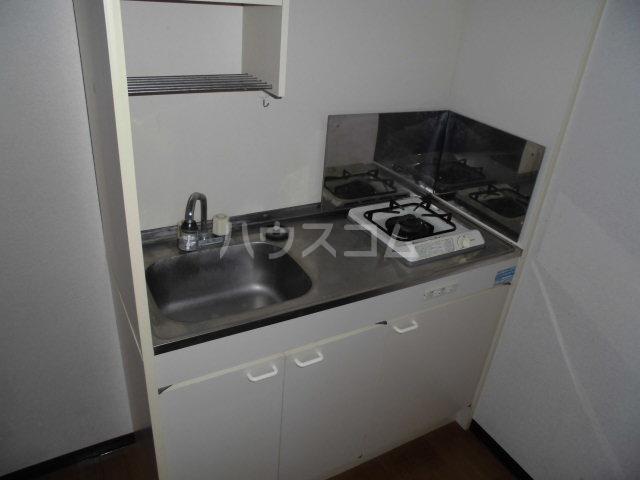 ドミトリー下小出 303号室のキッチン