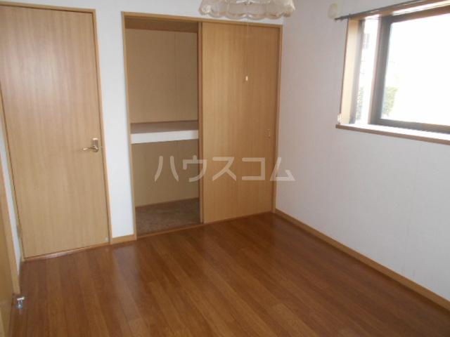 シルクヒルズB 102号室の居室