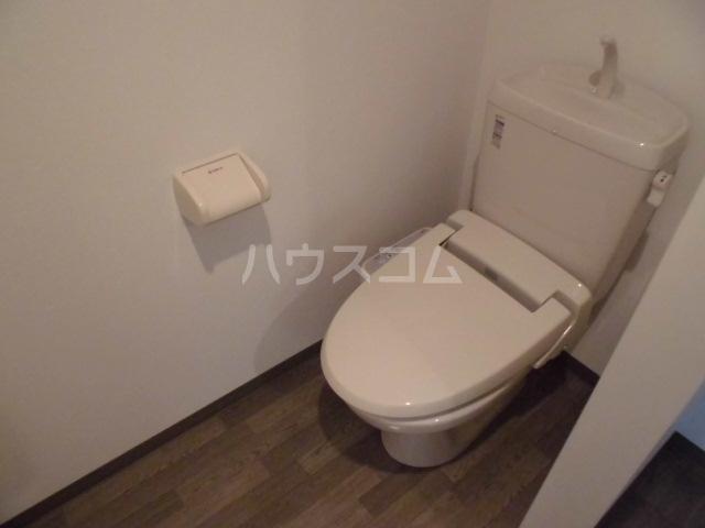 ソレッジ 102号室のトイレ