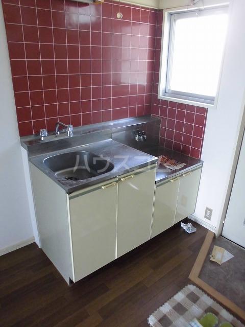 ウィングハイツ片貝 202号室のキッチン
