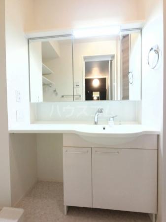 Famille Maebashi 105号室の洗面所