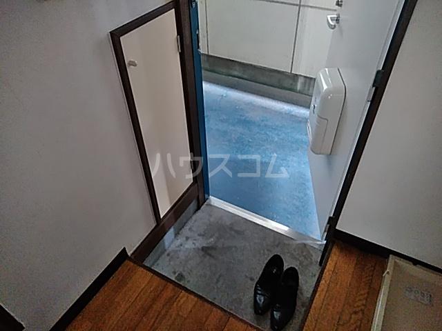 ハピネスハイツ 102号室の玄関