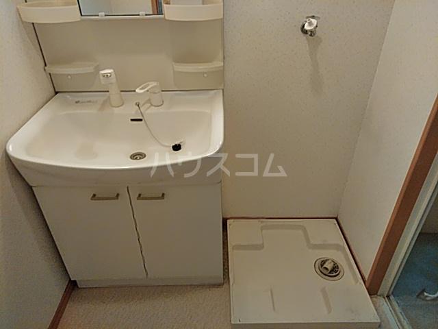 クレイドル若宮 102号室の洗面所