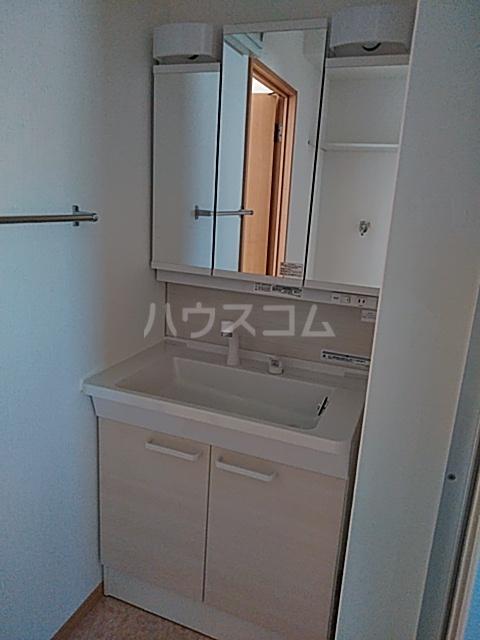 リリーハウスA 203号室の洗面所