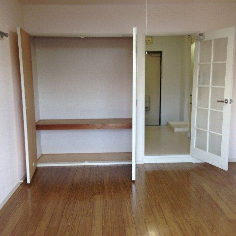 エル・グランデ 207号室のベッドルーム
