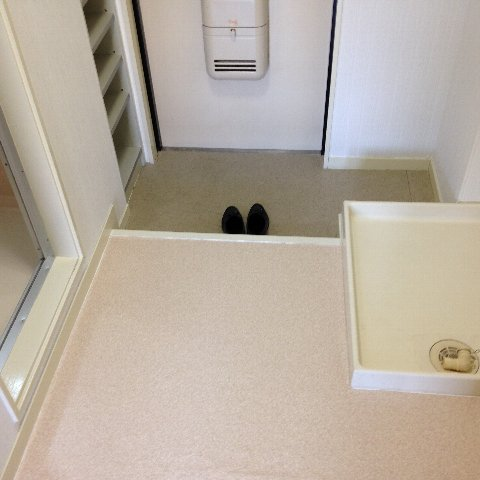 エル・グランデ 207号室の玄関