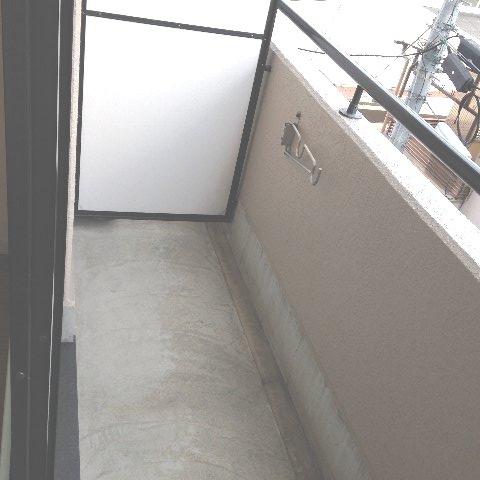エル・グランデ 207号室のバルコニー