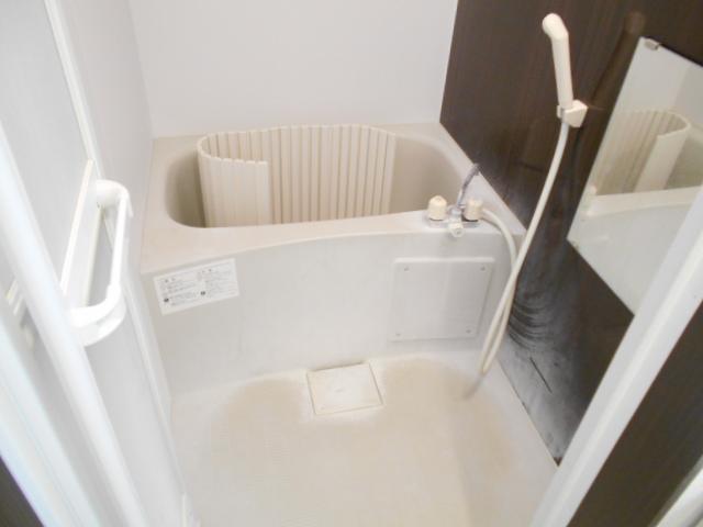 グランレブリー壬生 103号室の風呂