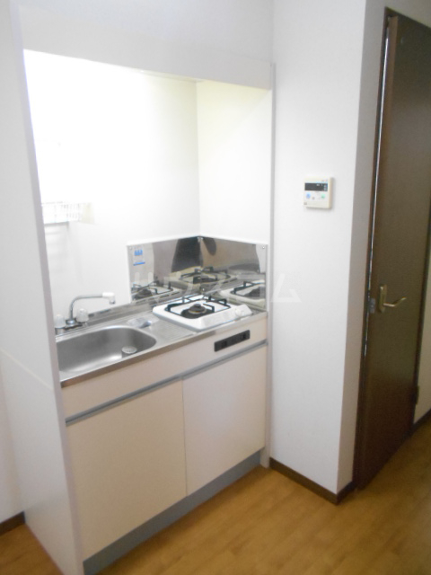 プリジェール太子道 205号室のキッチン