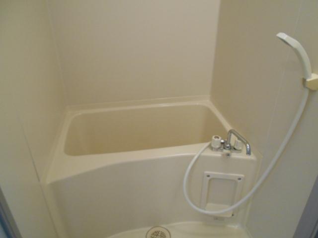 エレガンス西院 208号室の風呂