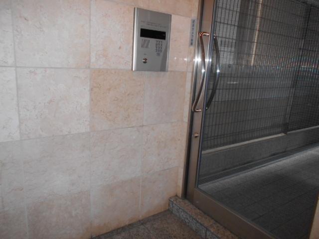 エレガンス西院 208号室のセキュリティ