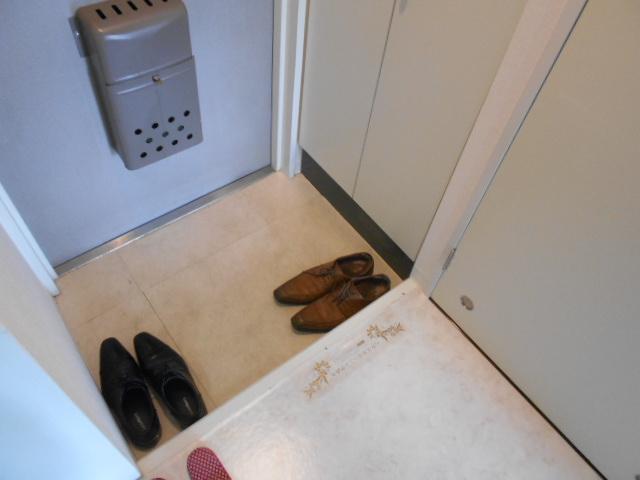 サンフローラ丸太町 708号室の玄関