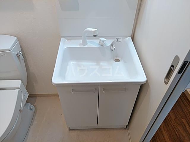 ワンモアハート円町 601号室の洗面所