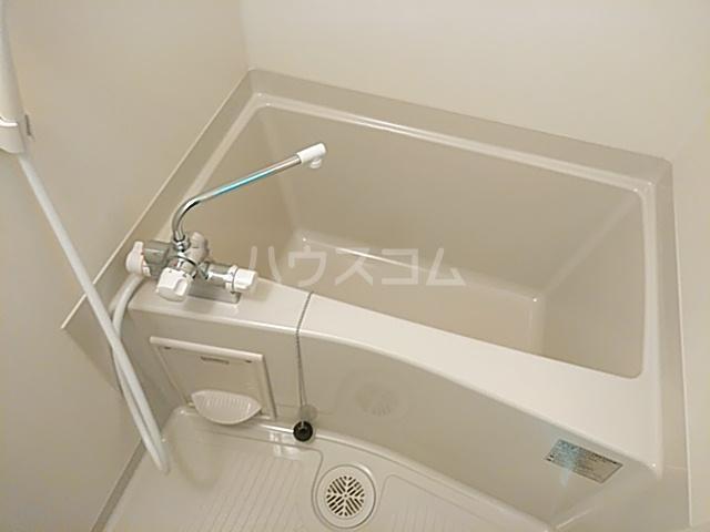 グランドーリア西院 4-C号室の風呂
